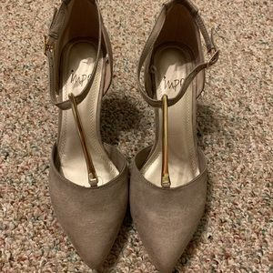 Impo dark tan suede heel with gold bar